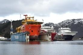 Her er skipet (helt til høyre) fotografert ved Klevens utrustingskai.