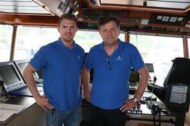 Styrmann Anders Fløysand sammen med kaptein Geir Fløysand.