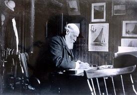 Colin Archer i sitt arbeidsrom i Kirkestredet 11. lilleodden Foto: Redningsselskapet