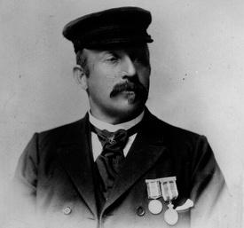 Nicolai A. Anthonisen var kaptein om bord da RS «Colin Archer» reddet 37 mennesker i Hamningberg i 1894.