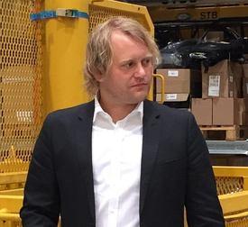 Daglig leder Einar Tollaksvik sier selskapet begynte å satse på akvakultur-næringen i 2016 og ser på det som et spennende marked for serviceselskapet. Foto: privat