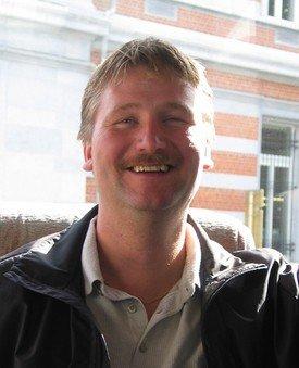Daglig leder Tore Lundberg sier luselaserne gjør susen på lokalitetene deres. Arkivfoto.