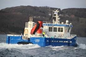 FMV har bygget en rekke arbeidsbåter til oppdrettsnæringen. Nå gjør verftet det enklere for rederne å velge grønnere driftsløsninger. Foto: FMV