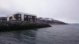 Grieg Seafood Finnmark har investert i et topp moderne lokalitetsbygg for de ansatte. - Det satses stort på Nyvoll, sier teknisk sjef Willy Johansen. Foto: GSF.