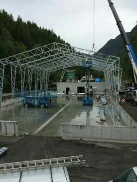 Den nye hallen på Nedstrand begynner å ta form. Foto: Ryfylke Rensefisk.