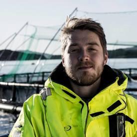 Initiativtaker Emil Lindfors ønsker å digitalisere havbruksnæringen og norsk oppdrett, ved å utvikle en effektiv digitalisering av lusetelling. Foto: Facebook/privat.