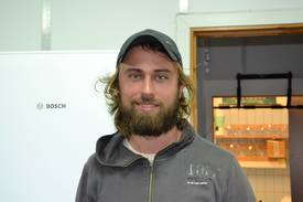 Kim Halvorsen forsker på leppefisk for Havforskningsinstituttet. Foto: Magnus Petersen.