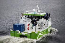 AQS Tyr er et multifartøy utrustet for alle typer serviceoppdrag innen havbruksnæringen. Foto: AQS.