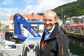 Daglig leder Håkon Tombre i Tombre Fiskeanlegg er spent på å se hvor mye rensefisk man klarer å gjenfangste på lokaliteten deres. Foto: Therese Soltveit.