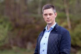 Vegard Oen Hatten er kommunikasjonsrådgjevar i Fiskeridirektoratet . Foto: Jakob Østheim.