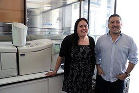 Marlen Gutiérrez Cutiño y el Dr. Diego Venegas-Yazigi, ambos de la Usach, fueron los desarrolladores del proyecto. Imagen: USACH.