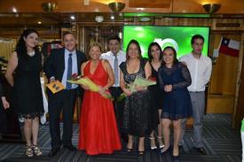 Equipo de Bioled celebrando sus diez años en la industria.