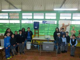Estudiantes relacionados con el proyecto. Foto: Loreto Appel, Salmonexpert.