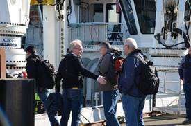 Trond Williksen, second from left, before leaving for Ocean Farm 1 on Tuesday. Photo: Kyst.no