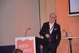 Trond Williksen under Nasf-konferansen i Bergen, der han snakket om Salmars havmerd. - Vi er selvsagt svært stolt av at vi er først ut med offshore lakseoppdrett. Foto: Therese Soltveit.