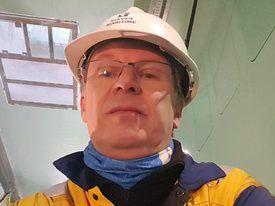 Prosjektsjef Tor Inge Nordmo, sier verftet jobber med å ferdigstille slaktebåten Aqua Merdø til Dess Aquaculture, som skal stå klar i slutten av april. Foto: privat.