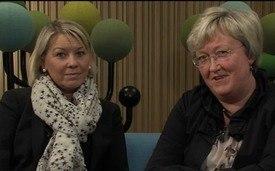 Monica Mæland og Elisabeth Aspaker. Foto: Fiskeridepartementet