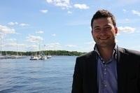Henning Steffenrud og de andre analytikerne tjener godt i laksesektoren. Foto: Kyst.no