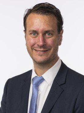 Helge Andre Njåstad poengterer at de sterke, maritime næringsklyngene på Vestlandet er en viktig begrunnelse for flytting.