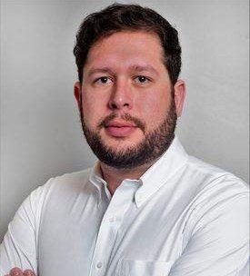 Adriano Cabrini, gerente de filial Magallanes de Australis.