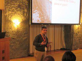 Presentación de Esteban Ramírez, gerente general de Intesal. Foto: Francisco Soto, Salmonexpert.