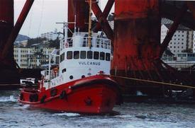 Bilde 4: I 1994 var «Vulcanus» med å redde plattformen Polyconcorde Foto: John Audun Hauge.