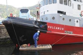 «Vulcanus» skifter fra BB sin røde farge, til sin originale sorte Foto: Egil Sunde