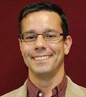 Jeffery Tomberlin es experto en ecología y biología de dípteros asociados con materia en descomposición. Imagen: Universidad de Texas A&M.