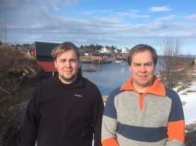 Her er brødrene Aleksander Sætern og Eirik Sætern som stiftet brønnbåtrederiet Sleneset Aqua Service. Klikk for større bilde. Foto: Sleneset Aqua Service.