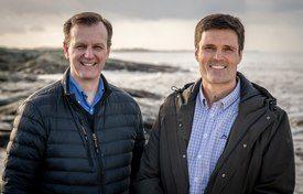 Cargill's Fredrik Witte, left, and Skretting Norway's Erlend Sødal say their businesses will still be fierce competitors. Photo: Leif Kjetil Skjæveland.
