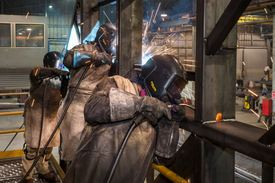 A special bond: women welders in AKVA's workshop. Click photo to enlarge. Photo: AKVA.