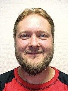 Runar Hatlevik, produktsjef i Fluctus sier de skal levere en ny fôrflåte til Lerøy Sjøtroll med en kapasitet på 500 tonn. Foto: Fluctus.