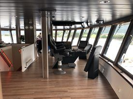 The spacious bridge of the Ronja Explorer. All systems can be controlled remotely from here. Click on image to enlarge. Photo: Aas.