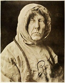 Roald Amundsen. Foto: Nasjonalbiblioteket