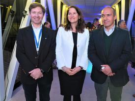 Gerente general de Ventisqueros, José Luis Vial,  jefe de desarrollo del mercado global de Corbion, Jill Kauffman y el CEO de BioMar, Carlos Díaz. Foto: Salmonexpert.