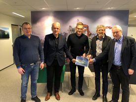 Fra venstre: Endre Brekstad (Teknisk Sjef FSV Group), Per Olav Myrstad (Styreleder FSV Group), Arild Aasmyr (Daglig leder FSV Group), Kåre Sletta (Daglig leder Sletta Verft AS) og Lars Liabø (Styreleder Sletta Verft AS).