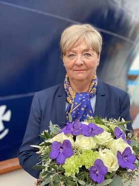 Gudmor for skipet var Ingunn Ulstein Botnen. Foto: Island Offshore