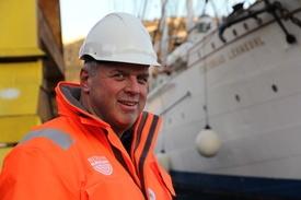 Daglig leder Jonny Arefjord i Endúr Maritime er svært godt fornøyd med å vinne vedlikeholdskontrakten på Kongeskipet «Norge». Foto: Endùr Maritime