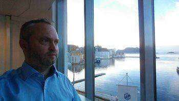 Glen Bradley, nestleder i Rostein, sier «Ro Fortune» er en del av en serie brønnbåter som de har fått levert av Larsnes Mek. Verksted. Foto: Rostein.