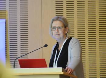 Seniorforsker Ingrid Lein iNofima mener de er mange faktorer med rensefisk-produksjon som enda må på plass. Klikk for større bilde. Foto: Pål Mugaas Jensen/Kyst.no.