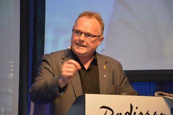 Per Sandberg var fiskeriminister fra 2015 til 2018 og sier til Kyst.no at Havbruksfondet og trafikklyssystemet er to viktige og positive tiltak fra året som har gått. Foto: Kyst.no.
