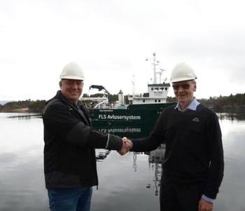 Daglig leder Jan Eirik Nordseth i Pure Shipping, sier de jobber tett sammen med Flatsetsund Engineering. Her er han avbildet med Kristian Lillerud, daglig leder i Flatsetsund Egineering. Foto: Pure Shipping.