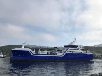 Ro Fortune er en del av en serie brønnbåter som har et unikt design som skal gjøre fartøyene lett gjenkjennelige på sjøen. Her ser du brønnbåten ute på testtur 15 mai. Foto: Rostein.