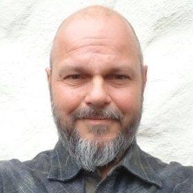 Trond Einar Isaksen, forsker ved Uni Reserch Miljø understreker at det ikke er sikkert de finner amøben, men de har i alle fall observert en viss gjellescore som samsvarer med kliniske tegn på AGD.