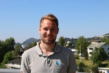 Robin Halsebakk sier han ser frem til å ro fra Trondheim til Ålesund for kreftsaken, og håper mange vil delta på reisen deres og samle inn mye penger. Foto: Andrea Bærland.