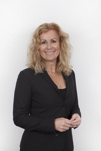 Karita Bekkemellem er administrerende direktør i LMI (Legemiddelindustrien). Foto: LMI.