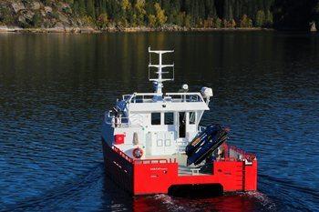 «Nordbjørn» er 15 meter lang og 8 meter bred. Foto: Moen Marin.