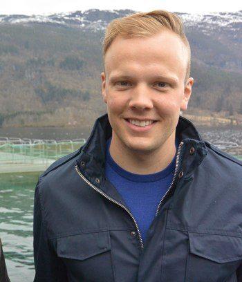 Sondre Eide er ikke redd for å være den første ute med å teste automatisk lusetellng i full skala. Foto: Eide Fjordbruk.