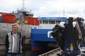 Kåre Sletta, verftssjef på Sletta Verft sier de har mange båter inne for utrusting for havbruksnæring. Klikk for større bilde. Foto: Sletta Verft.
