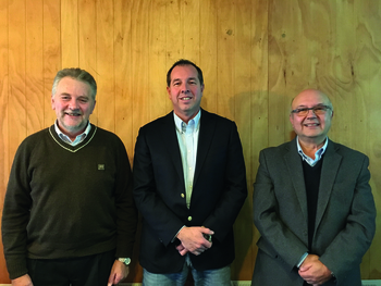 Cristino Stange, Rodrigo Sánchez y Héctro Ruiz. Foto: Daniella Balin, Salmonexpert.